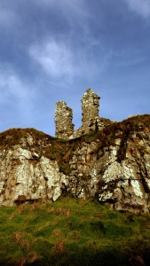 DUNSEVERIK CASTLE CO.ANTRIM N (4)